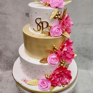 Pink and Gold  - Cake by Michelle's Sweet Temptation