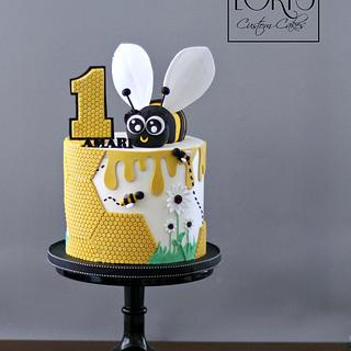Hap-bee birthday cake