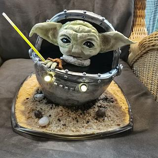 Yoda and his spaceship - Cake by Topping Queen by Diana Adler