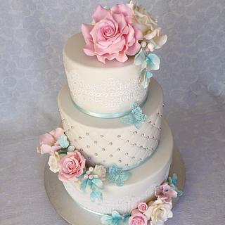Wedding cake  - Cake by Layla A