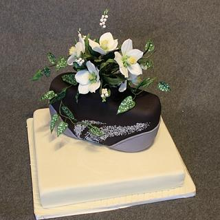 Cake with christmas (lenten) rose