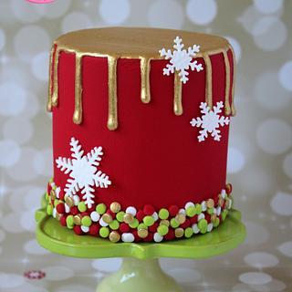 Gold Drip Christmas Cake Tutorial