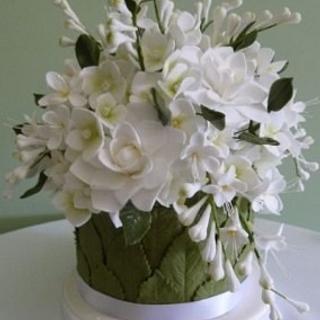 Gardenia and Freesia Cake