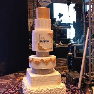 White and gold 6 tier beauty