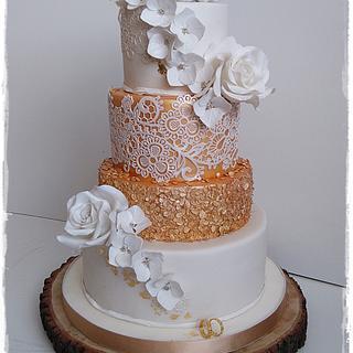 Wedding cake in white and gold - Cake by Zuzana Kmecova