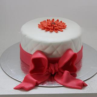 Bow and flower cake