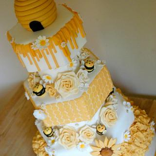Bronze Cake international entry - Bee themed wedding cake - Cake by B's Bakes