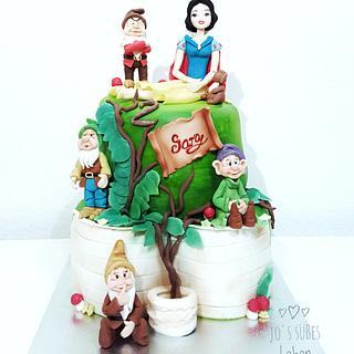 Snow White & Dwarfs