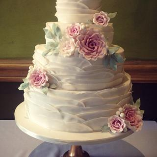 Vintage ruffle cake - Cake by The Ivory Owl Cake Company