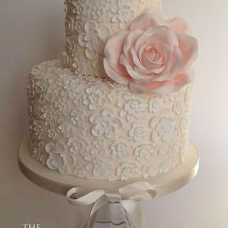 Blossom lace cake