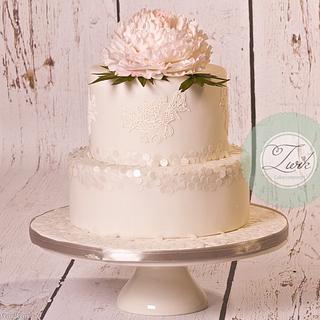 Peony sequin Wedding Cake - Cake by  Marieke