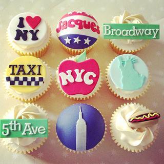 New York Theme cupcakes - Cake by LREAN