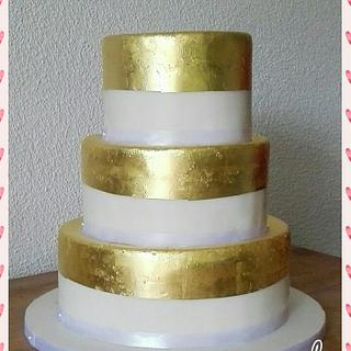 Simple gold cake - Cake by Taartmama