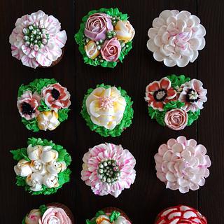 Cupcakes. - Cake by Han Dougan