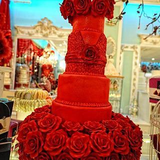 ROSES ARE RED..... VALENTINE WEDDING CAKE !!!