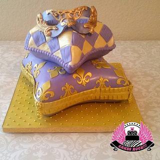 Sweet Sixteen Masquerade Pillow Cake