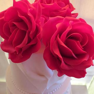 Gum paste red roses