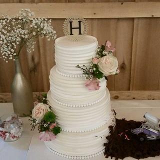 Wedding cake with a Twist - Cake by Patty's Cake Designs