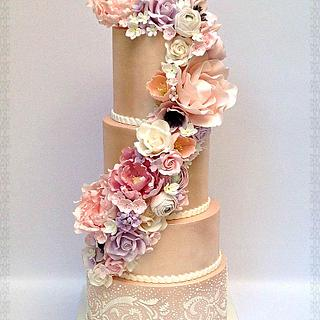 Wedding cake in satin luster