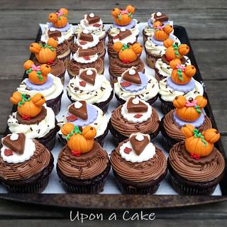 Mickey & Minnie Mouse pumpkin cupcakes!