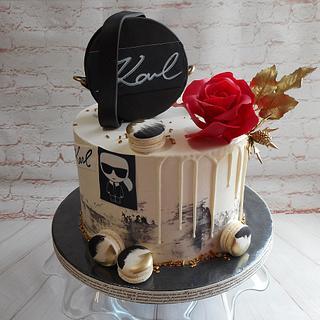 Karl Lagerfeld cake