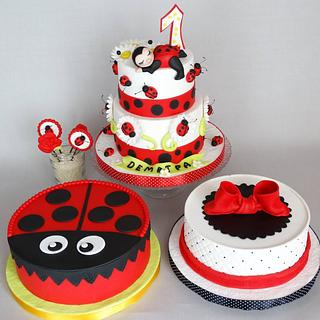 Four ladybug cakes for 1st birthday