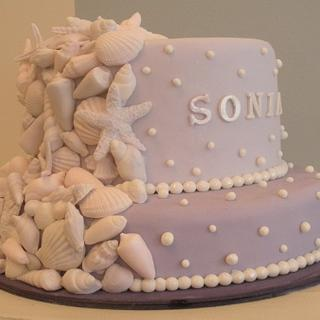 Shells and pearls cake