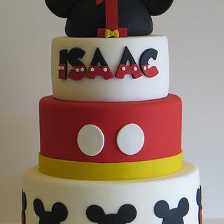 Mickey Mouse cake - Cake by Chantilly Cake Designs - Beth Aguiar
