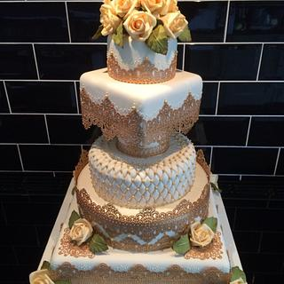 Gold cake lace