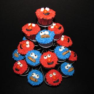 cookie monster and elmo cupcakes