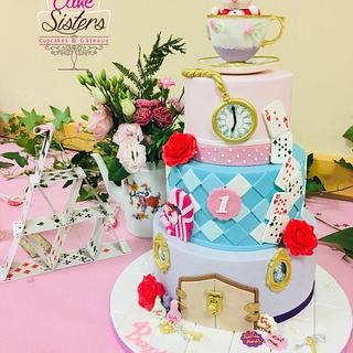 alice in wonderland 3 tier cake