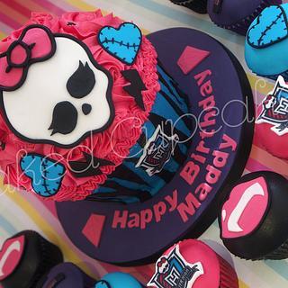 Monster High Giant Cupcake