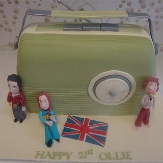 Retro Radio - Cake by cupcakenz