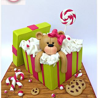 Teddy gift box cake
