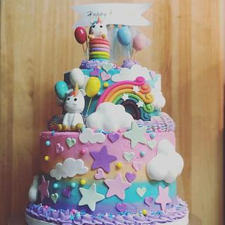 Unicorn and Sprinkles  - Cake by Kelly