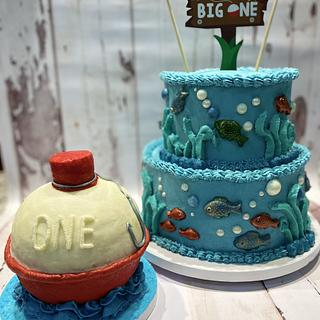 """The Big One"" birthday cake & fishing bobber smash cake - Cake by eiciedoesitcakes"