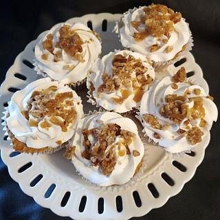 Apple Toffee Crunch Cupcakes