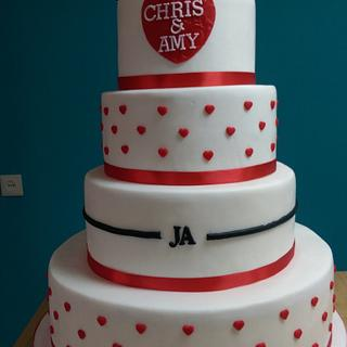 White and red weddingcake