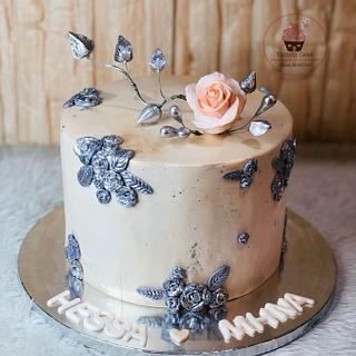Glowy cake