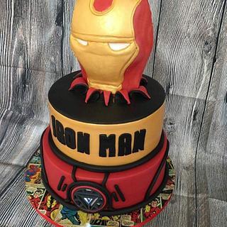 Avengers Iron man cake.