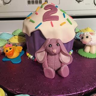 giant cupcake with cuppies