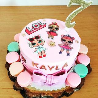 LOL cake with macarons