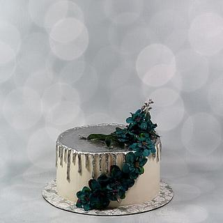Silver drip cake - Cake by soods