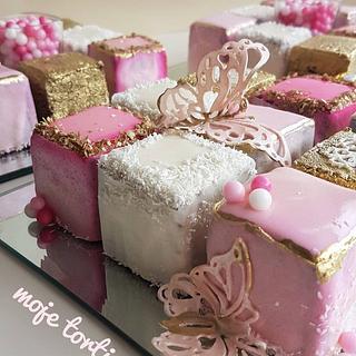 Rubik cube cake