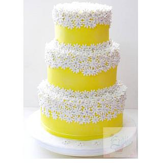 Yellow daisy cake!