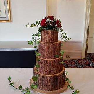 Woodland Wedding Cake with Reveal