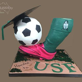 3D gravity defying graduation cake