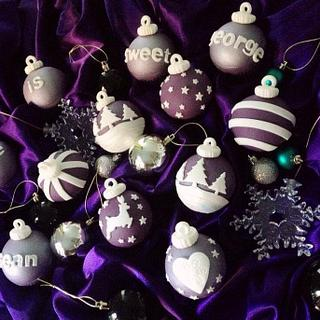 Regal purple christmas bauble cupcakes - Cake by Cupcandi Cupcakes