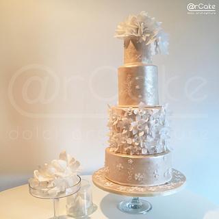 weiße Blume weddingcake - Cake by maria antonietta motta - arcake -
