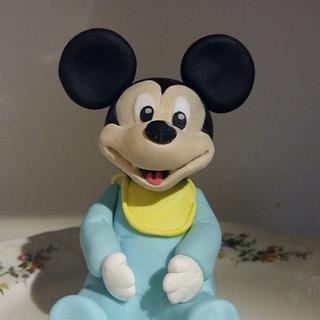 Baby Mickey caketopper